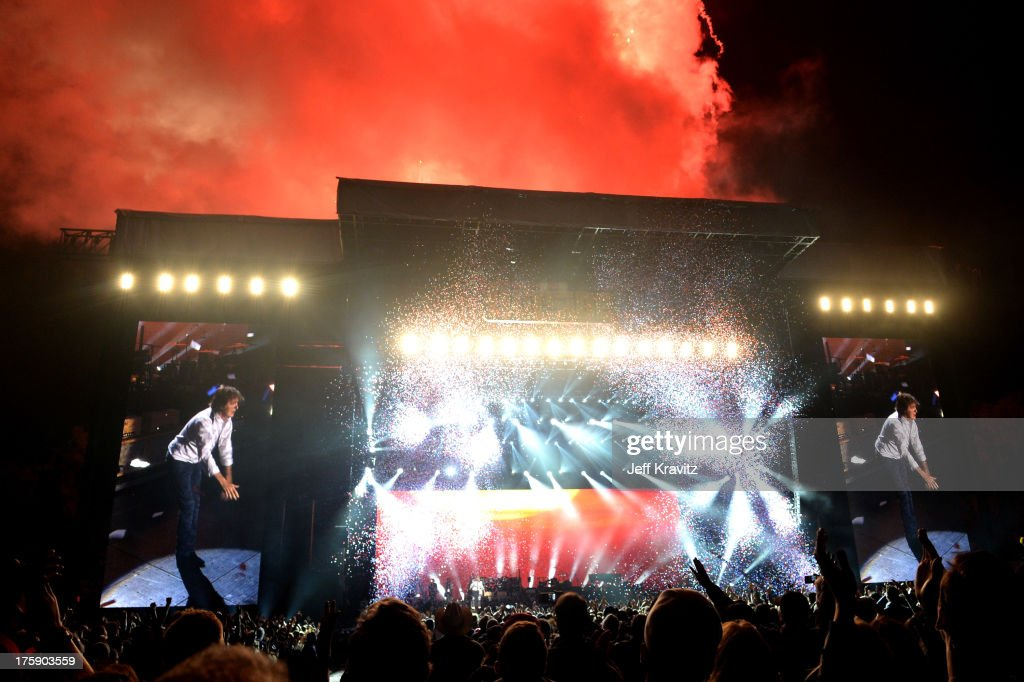 Musician <a gi-track='captionPersonalityLinkClicked' href=/galleries/search?phrase=Paul+McCartney&family=editorial&specificpeople=92298 ng-click='$event.stopPropagation()'>Paul McCartney</a> performs at the Lands End Stage during day 1 of the 2013 Outside Lands Music and Arts Festival at Golden Gate Park on August 9, 2013 in San Francisco, California.