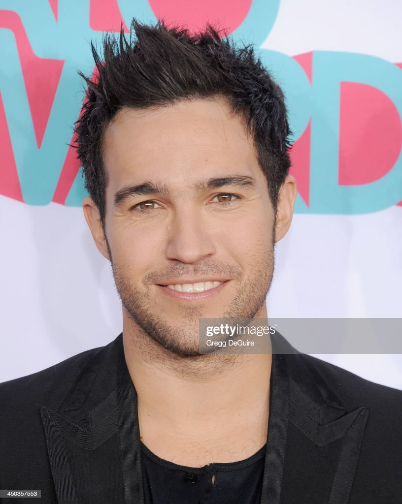 Musician <a gi-track='captionPersonalityLinkClicked' href=/galleries/search?phrase=Pete+Wentz&family=editorial&specificpeople=595892 ng-click='$event.stopPropagation()'>Pete Wentz</a> arrives at the 2013 TeenNick HALO Awards at the Hollywood Palladium on November 17, 2013 in Hollywood, California.