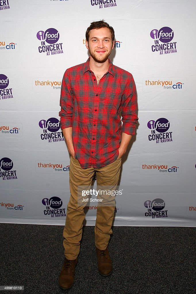 Musician <a gi-track='captionPersonalityLinkClicked' href=/galleries/search?phrase=Phillip+Phillips&family=editorial&specificpeople=1651494 ng-click='$event.stopPropagation()'>Phillip Phillips</a> poses at Food Network In Concert on September 20, 2014 in Chicago, United States.