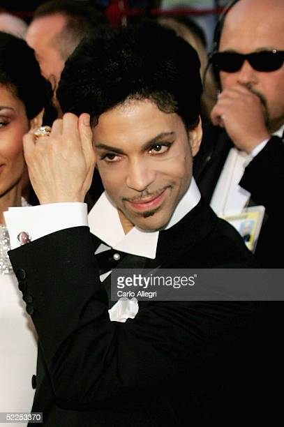 Musician Prince arrives at the 77th Annual Academy Awards at the Kodak Theater on February 27 2005 in Hollywood California