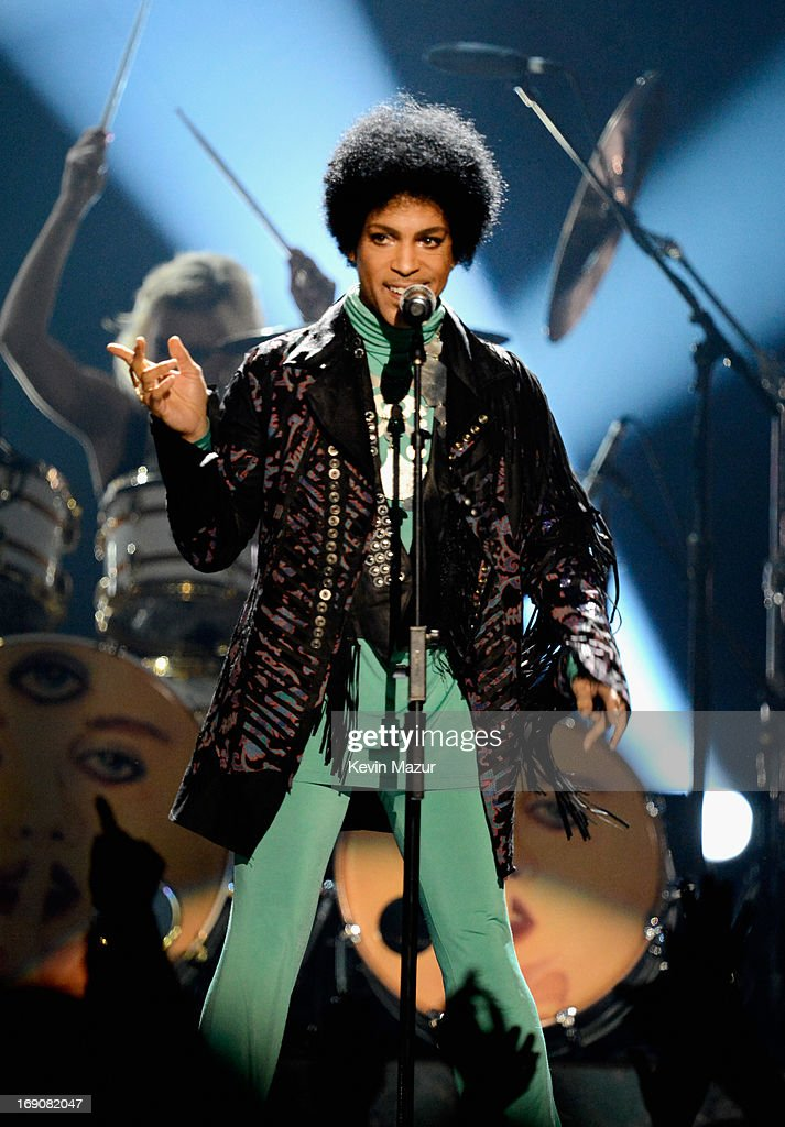 Musician <a gi-track='captionPersonalityLinkClicked' href=/galleries/search?phrase=Prince+-+Musician&family=editorial&specificpeople=203048 ng-click='$event.stopPropagation()'>Prince</a> performs onstage during the 2013 Billboard Music Awards at the MGM Grand Garden Arena on May 19, 2013 in Las Vegas, Nevada.
