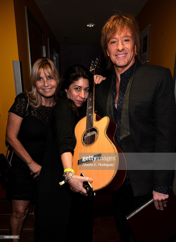 Musician <a gi-track='captionPersonalityLinkClicked' href=/galleries/search?phrase=Richie+Sambora&family=editorial&specificpeople=204195 ng-click='$event.stopPropagation()'>Richie Sambora</a> (R) joined President Bill Clinton and Kobe Bryant at the grand opening of STEP UP ON VINE on January 14, 2013 in Los Angeles, California.