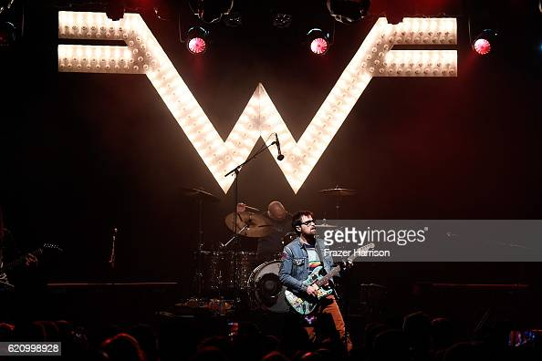 Musician Rivers Cuomo of Weezer performs onstage during the 2016 Rhonda's Kiss Benefit at El Rey Theatre on November 3 2016 in Los Angeles California
