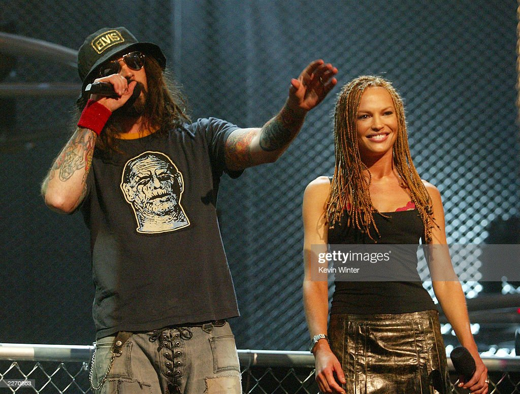 MILFs..de 35 a 45. - Página 12 Musician-rob-zombie-and-actress-jolene-blalock-speak-on-stage-at-the-picture-id2270863