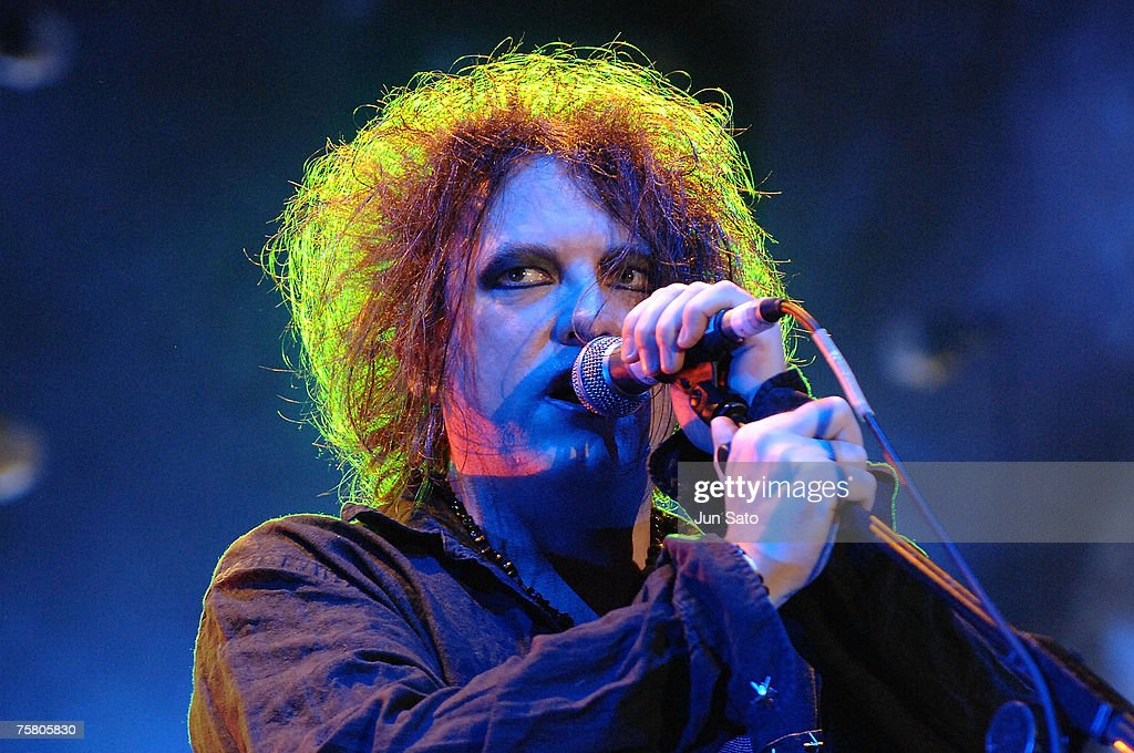 Musician <a gi-track='captionPersonalityLinkClicked' href=/galleries/search?phrase=Robert+Smith+-+Musiker&family=editorial&specificpeople=198989 ng-click='$event.stopPropagation()'>Robert Smith</a> of The Cure performs on stage on the first day of the Fuji Rock Festival at Naeba Ski Resort on July 27, 2007 in Yuzawa, Japan.
