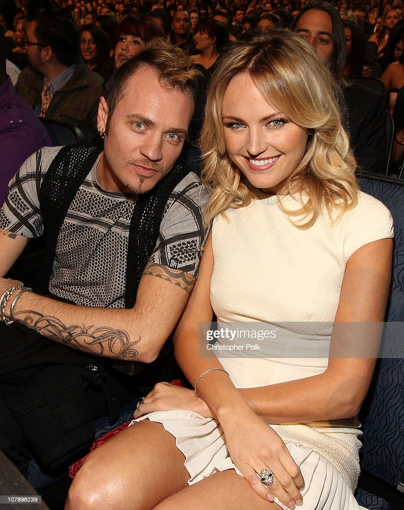 Musician Roberto Zincone (L) and actress <a gi-track='captionPersonalityLinkClicked' href=/galleries/search?phrase=Malin+Akerman&family=editorial&specificpeople=598245 ng-click='$event.stopPropagation()'>Malin Akerman</a> attend the 2011 People's Choice Awards at Nokia Theatre L.A. Live on January 5, 2011 in Los Angeles, California.