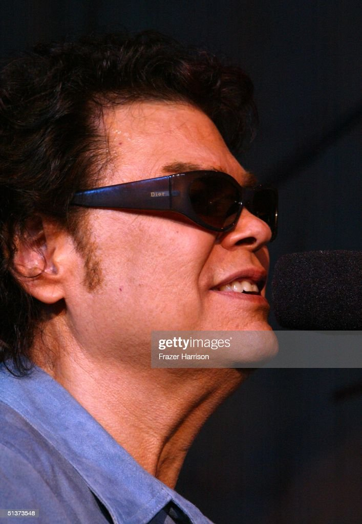 Musician Ronnie Milsap attends rehearsal for the Ray Charles tribute evening held at the Beverly Hilton Hotel September 29, 2004 in Beverly Hills, California.
