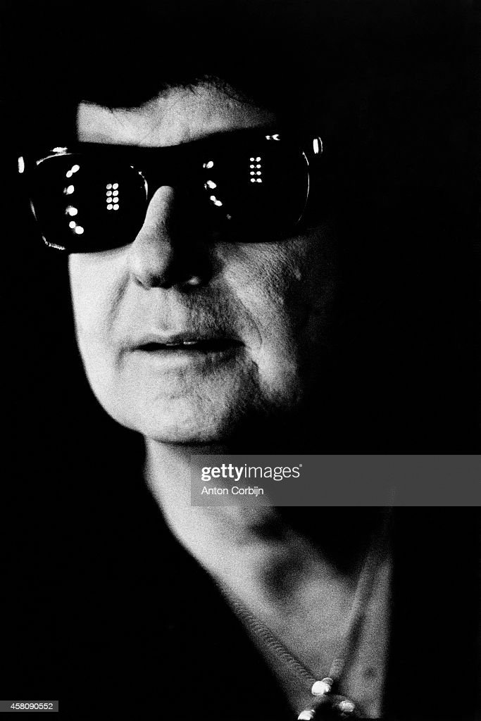Musician <a gi-track='captionPersonalityLinkClicked' href=/galleries/search?phrase=Roy+Orbison&family=editorial&specificpeople=913944 ng-click='$event.stopPropagation()'>Roy Orbison</a> is photographed for NME on December 17, 1980 in Windsor, England.