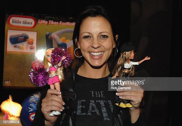Musician Sara Evans attends the Official Super Bowl XLII Talent and Player Gift Lounge produced by the NFL and ON 3 Productions held at the Phoenix...
