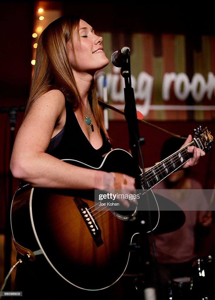 Musician Schuyler Fisk Performs At Living Room On April 21 2010 In New York City