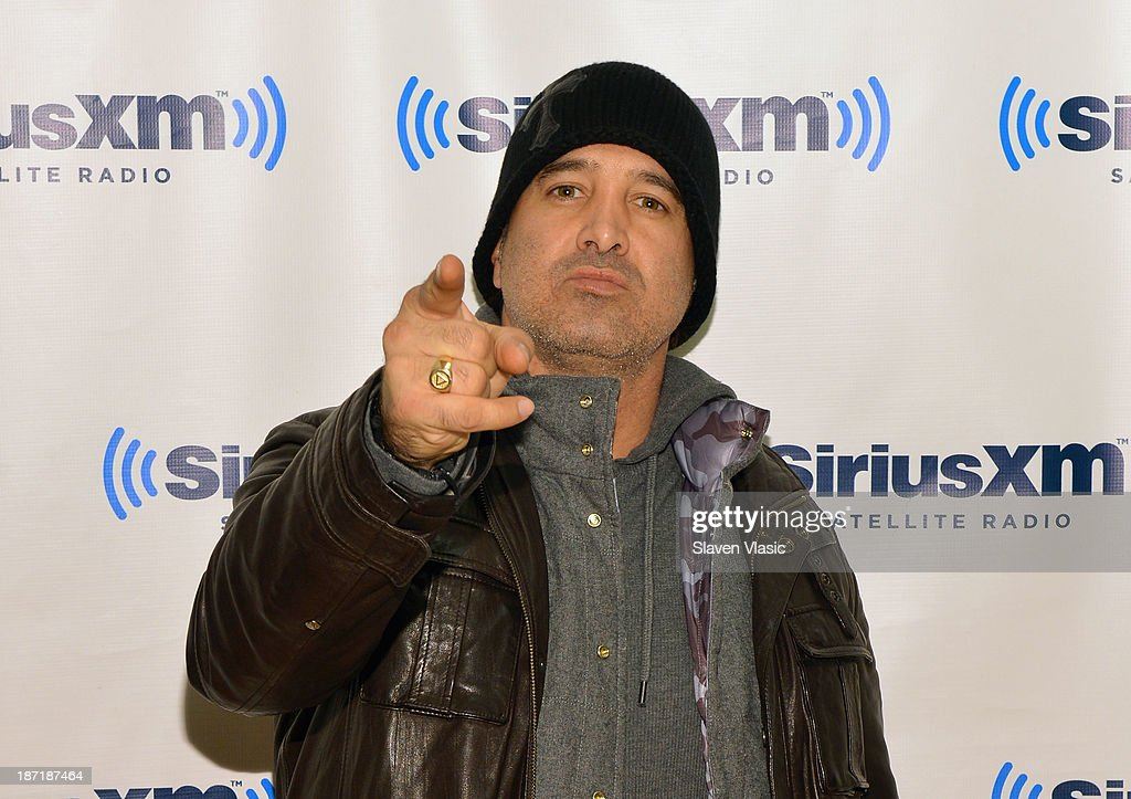 Musician <a gi-track='captionPersonalityLinkClicked' href=/galleries/search?phrase=Scott+Stapp&family=editorial&specificpeople=218051 ng-click='$event.stopPropagation()'>Scott Stapp</a> visits SiriusXM Studios on November 6, 2013 in New York City.