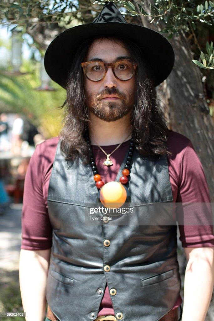 Musician Sean Lennon attends The Retreat At The Sparrows Lodge on April 11, 2015 in Palm Springs, California.