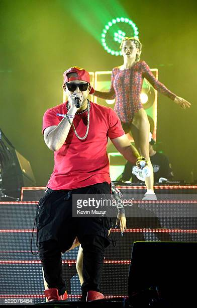 Musician Sean Paul performs onstage with Major Lazer during day 3 of the 2016 Coachella Valley Music And Arts Festival Weekend 1 at the Empire Polo...