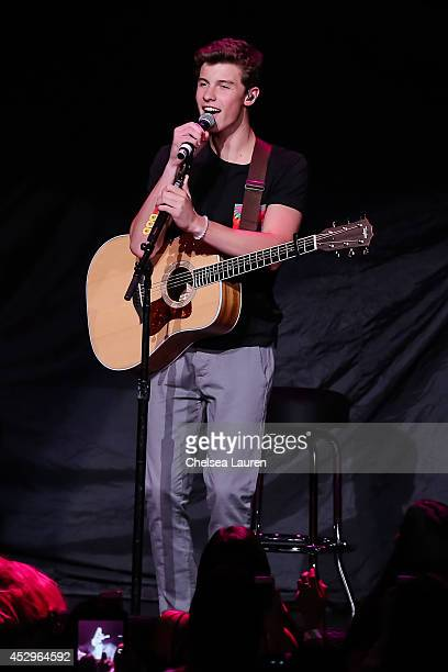 Shawn mendes msico fotografas e imgenes de stock getty images austin mahone in concert with the vamps and special guests fifth harmony and shawn mendes los angeles ca m4hsunfo