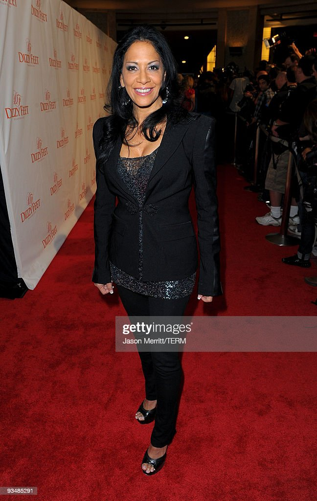 Musician <a gi-track='captionPersonalityLinkClicked' href=/galleries/search?phrase=Sheila+E.&family=editorial&specificpeople=242934 ng-click='$event.stopPropagation()'>Sheila E.</a> arrives at the Dizzy Feet Foundation's Inaugural Celebration of Dance at The Kodak Theater on November 29, 2009 in Hollywood, California.