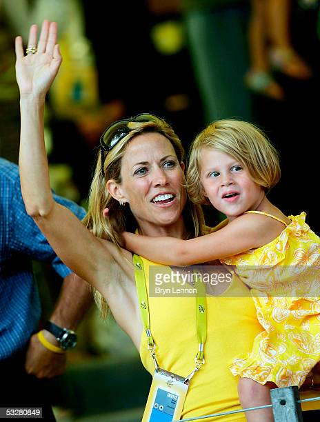 Family Armstrong Lance Stock Photos And Pictures Getty
