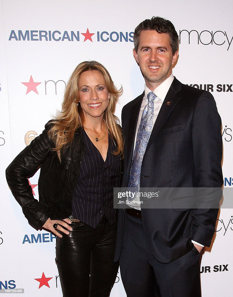 Musician <a gi-track='captionPersonalityLinkClicked' href=/galleries/search?phrase=Sheryl+Crow&family=editorial&specificpeople=201867 ng-click='$event.stopPropagation()'>Sheryl Crow</a> and managing director of the Got Your 6 campaign Chris Marvin attend Macy's 'American Icons' Campaign Launch at Gotham Hall on May 14, 2013 in New York City.