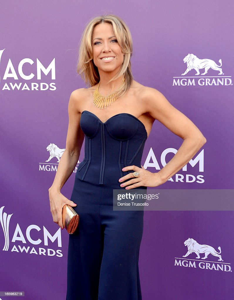 Musician Sheryl Crow arrives at the 48th Annual Academy of Country Music Awards at the MGM Grand Garden Arena on April 7, 2013 in Las Vegas, Nevada.
