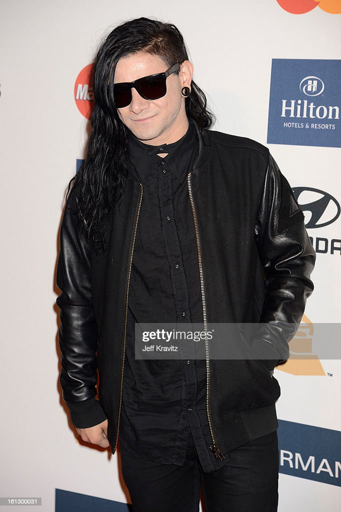 Musician <a gi-track='captionPersonalityLinkClicked' href=/galleries/search?phrase=Skrillex&family=editorial&specificpeople=7574565 ng-click='$event.stopPropagation()'>Skrillex</a> arrives at Clive Davis and The Recording Academy's 2013 GRAMMY Salute to Industry Icons Gala held at The Beverly Hilton Hotel on February 9, 2013 in Beverly Hills, California.
