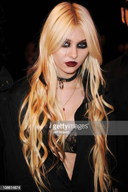 Musician Taylor Momsen attends the MTV Europe Awards 2010 at the La Caja Magica on November 7 2010 in Madrid Spain