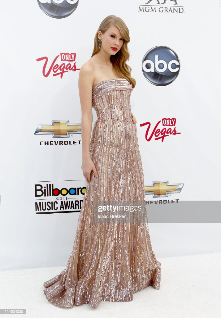 Musician <a gi-track='captionPersonalityLinkClicked' href=/galleries/search?phrase=Taylor+Swift&family=editorial&specificpeople=619504 ng-click='$event.stopPropagation()'>Taylor Swift</a> arrives at the 2011 Billboard Music Awards at the MGM Grand Garden Arena May 22, 2011 in Las Vegas, Nevada.