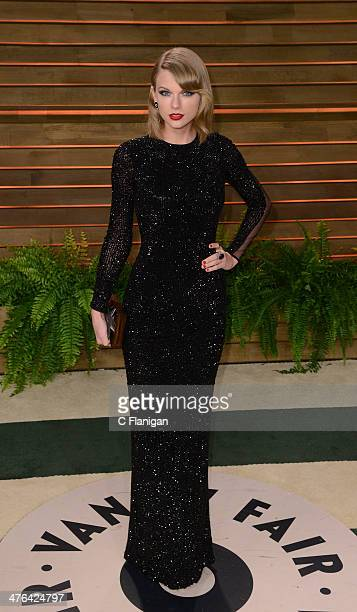 Musician Taylor Swift arrives at the 2014 Vanity Fair Oscar Party Hosted By Graydon Carter on March 2 2014 in West Hollywood California