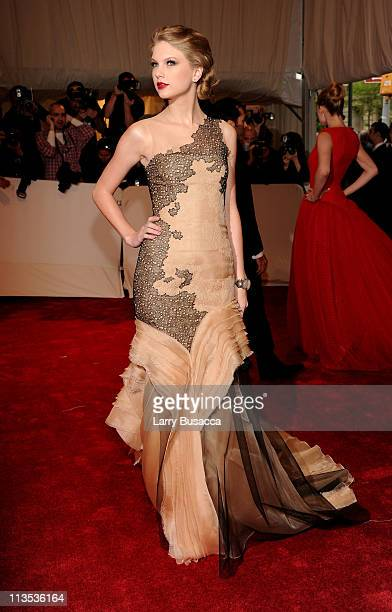 Musician Taylor Swift attends the 'Alexander McQueen Savage Beauty' Costume Institute Gala at The Metropolitan Museum of Art on May 2 2011 in New...