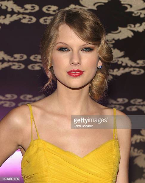 Musician Taylor Swift attends the Country Music Hall Of Fame Museum's 'All For The Hall' at Club Nokia on September 23 2010 in Los Angeles California