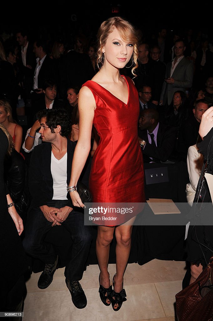 Musician Taylor Swift attends the Tommy Hilfiger Spring 2010 Men�s & Women�s Collection at Bryant Park on September 17, 2009 in New York City.