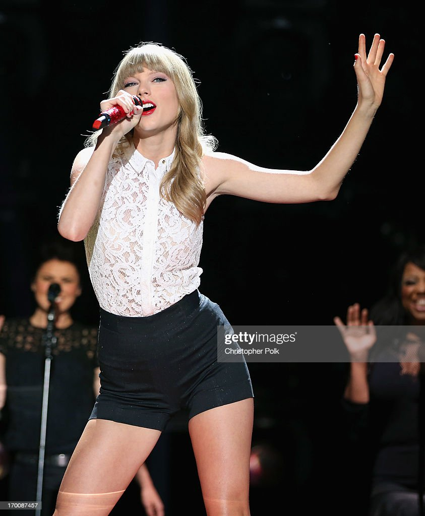 Musician Taylor Swift performs during the 2013 CMA Music Festival on June 6, 2013 in Nashville, Tennessee.