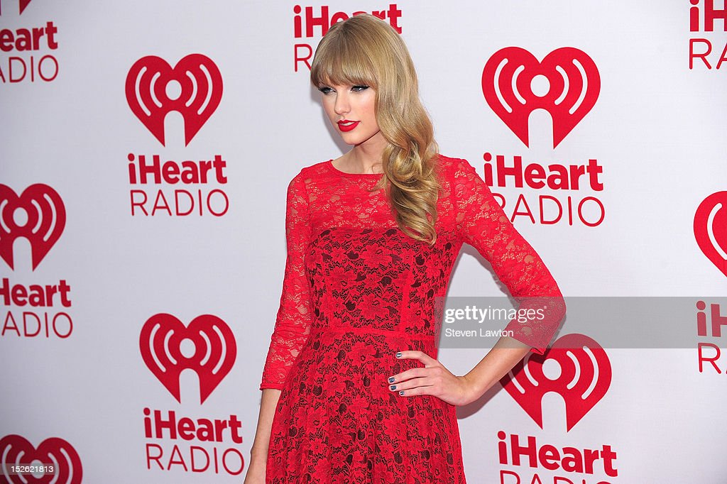 Musician <a gi-track='captionPersonalityLinkClicked' href=/galleries/search?phrase=Taylor+Swift&family=editorial&specificpeople=619504 ng-click='$event.stopPropagation()'>Taylor Swift</a> poses in the press room at the iHeartRadio Music Festival at the MGM Grand Garden Arena September 21, 2012 in Las Vegas, Nevada.