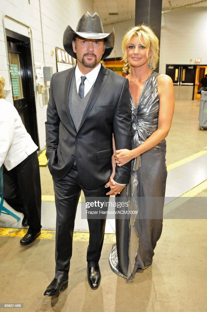 Musician Tim McGraw and singer Faith Hill pose backstage during the 44th annual Academy Of Country Music Awards' Artist of the Decade held at the MGM Grand on April 6, 2009 in Las Vegas, Nevada.