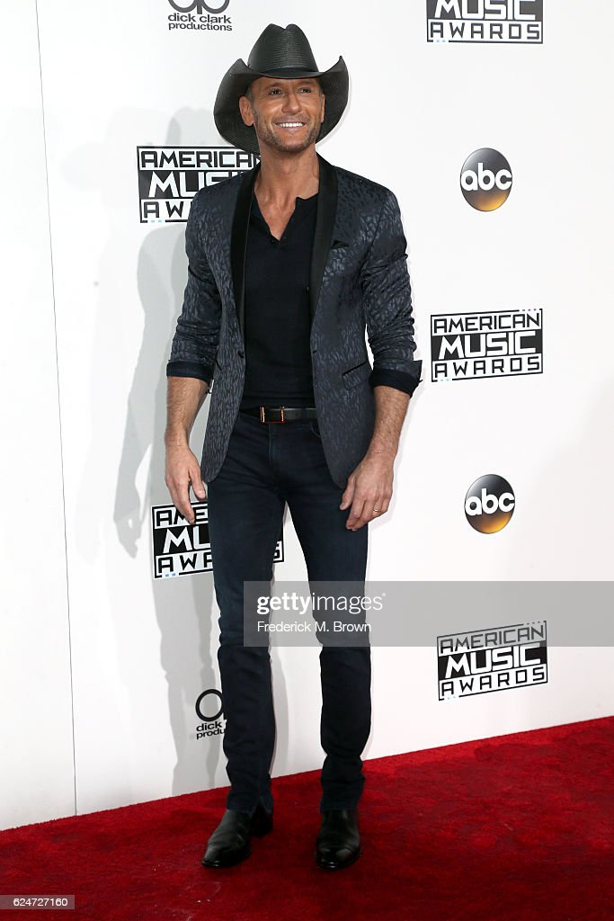 Musician Tim McGraw attends the 2016 American Music Awards at Microsoft Theater on November 20, 2016 in Los Angeles, California.