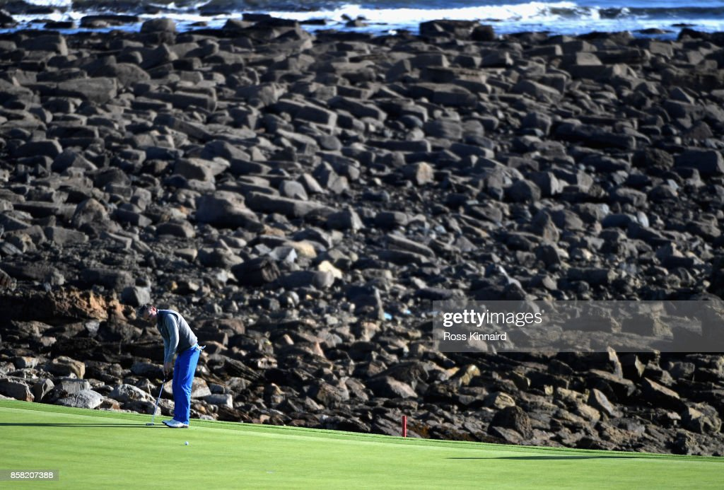 Musician, Tom Chaplin, putts on the 15th during day two of the 2017 Alfred Dunhill Championship at Kingsbarns on October 6, 2017 in St Andrews, Scotland.