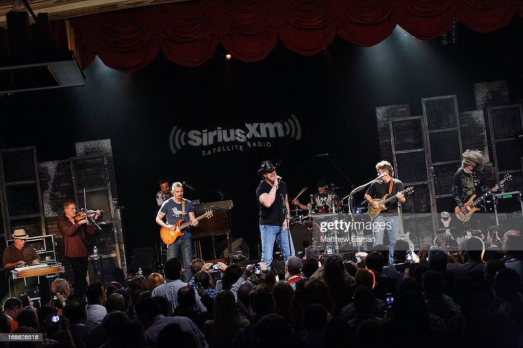 Musician Trace Adkins performs live during 'SirusXM Sounds Of Summer' Series at Hard Rock Cafe New York on May 15, 2013 in New York City.
