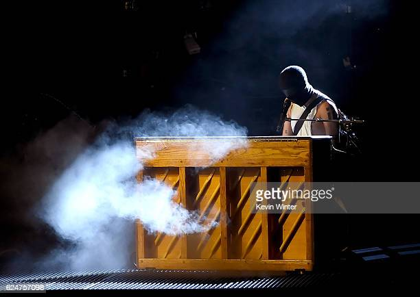 Musician Tyler Joseph of Twenty One Pilots performs onstage during the 2016 American Music Awards at Microsoft Theater on November 20 2016 in Los...