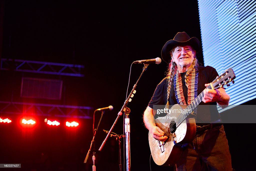 Musician <a gi-track='captionPersonalityLinkClicked' href=/galleries/search?phrase=Willie+Nelson&family=editorial&specificpeople=203154 ng-click='$event.stopPropagation()'>Willie Nelson</a> performs onstage at Global Green USA's 10th Anniversary Pre-Oscar Party sponsored by H&M at Avalon on February 20, 2013 in Hollywood, California.