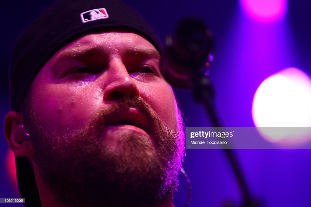 Musician Zac Brown of <a gi-track='captionPersonalityLinkClicked' href=/galleries/search?phrase=Zac+Brown+Band&family=editorial&specificpeople=5796430 ng-click='$event.stopPropagation()'>Zac Brown Band</a> performs on stage during Bonnaroo 2009 on June 11, 2009 in Manchester, Tennessee.