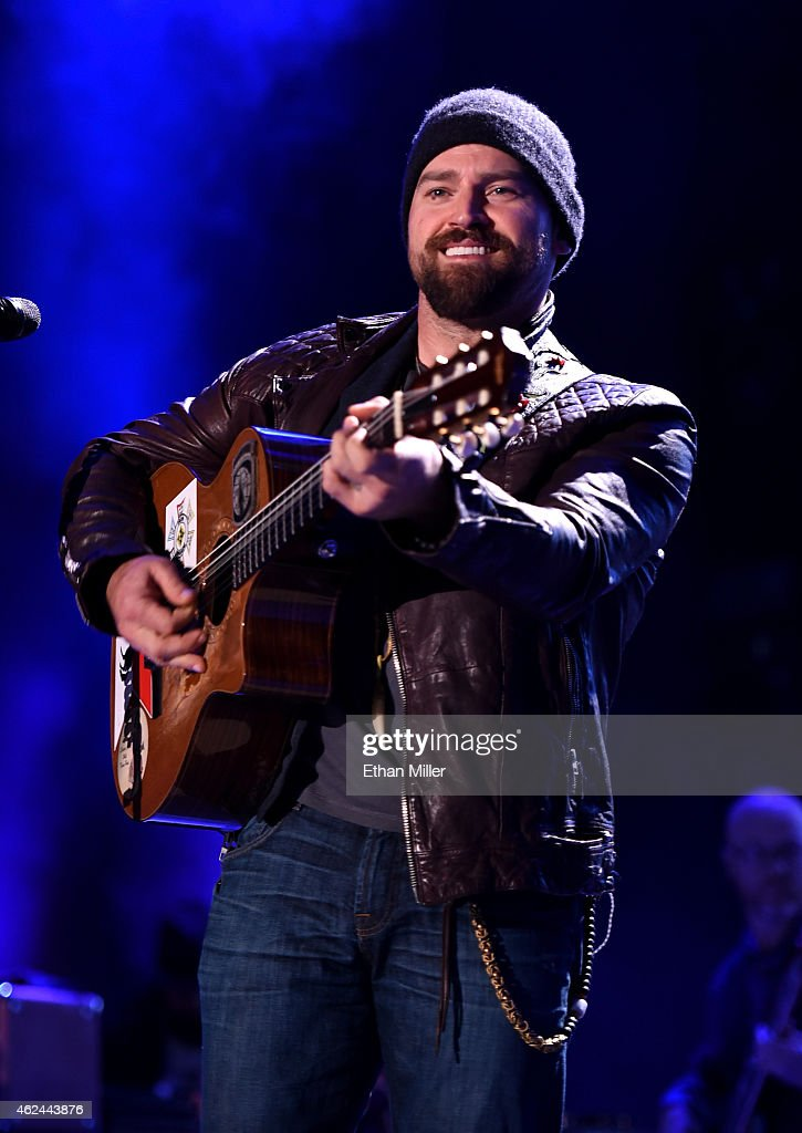 Musician Zac Brown performs onstage during Day 1 of the DirecTV Super Fan Festival at Pendergast Family Farm on January 28 2015 in Glendale Arizona