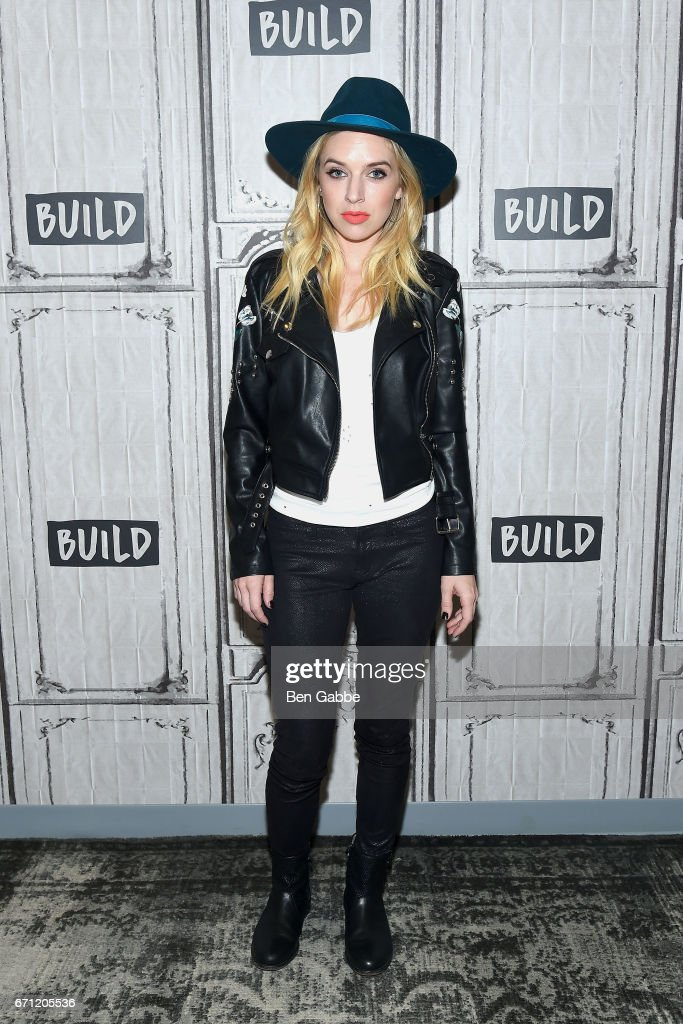 """Build Series Presents ZZ Ward Discussing Her New Single """"The Deep"""""""