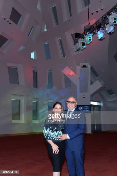 Musician/producer Emilio Estefan Jr and singer Gloria Estefan pose for photos during their tour of the Cleveland Clinic Lou Ruvo Center for Brain...