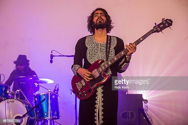 Musicians Adrian Bang and Alexis Raphaeloff of Aqua Nebula Oscillator perform on stage during Day 1 of Austin Psych Fest at Carson Creek Ranch on May...