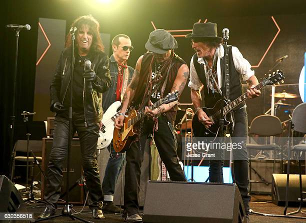 Musicians Alice Cooper Robert DeLeo Johnny Depp and Joe Perry perform onstage at the TEC Awards during NAMM Show 2017 at the Anaheim Hilton on...