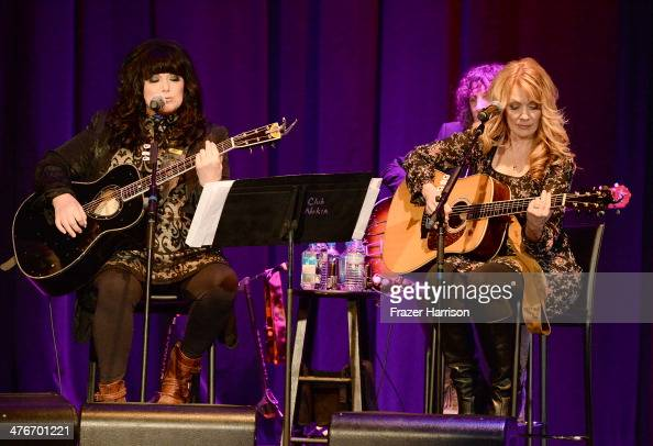 Musicians Ann Wilson and Nancy Wilson perform onstage during the Country Music Hall Of Fame Museum's 'All For The Hall' fundraising concert at Club...