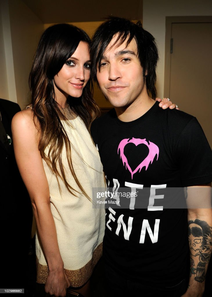 pete werntz dating ashlee simpson Pete wentz talks divorce from ashlee simpson ross and and though camper wasn't the first person he dated after simpson ross, she was the first girlfriend to.