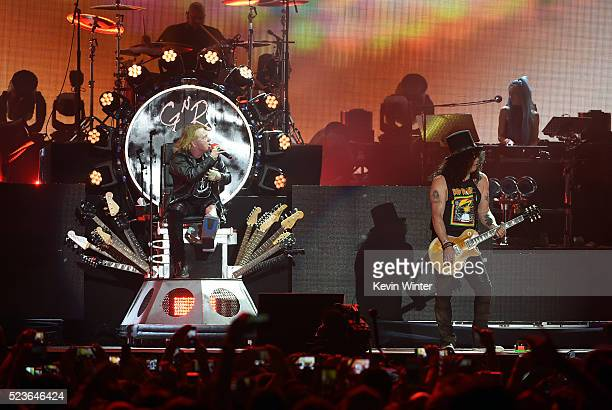 Musicians Axl Rose and Slash of Guns N' Roses perform onstage during day 2 of the 2016 Coachella Valley Music Arts Festival Weekend 2 at the Empire...