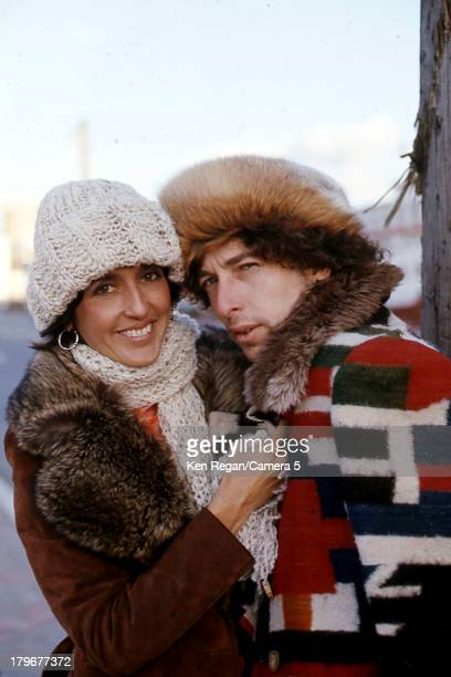 Musicians Bob Dylan and Joan Baez are photographed during the Rolling Thunder Revue in December 1975 in Bangor Maine CREDIT MUST READ Ken...
