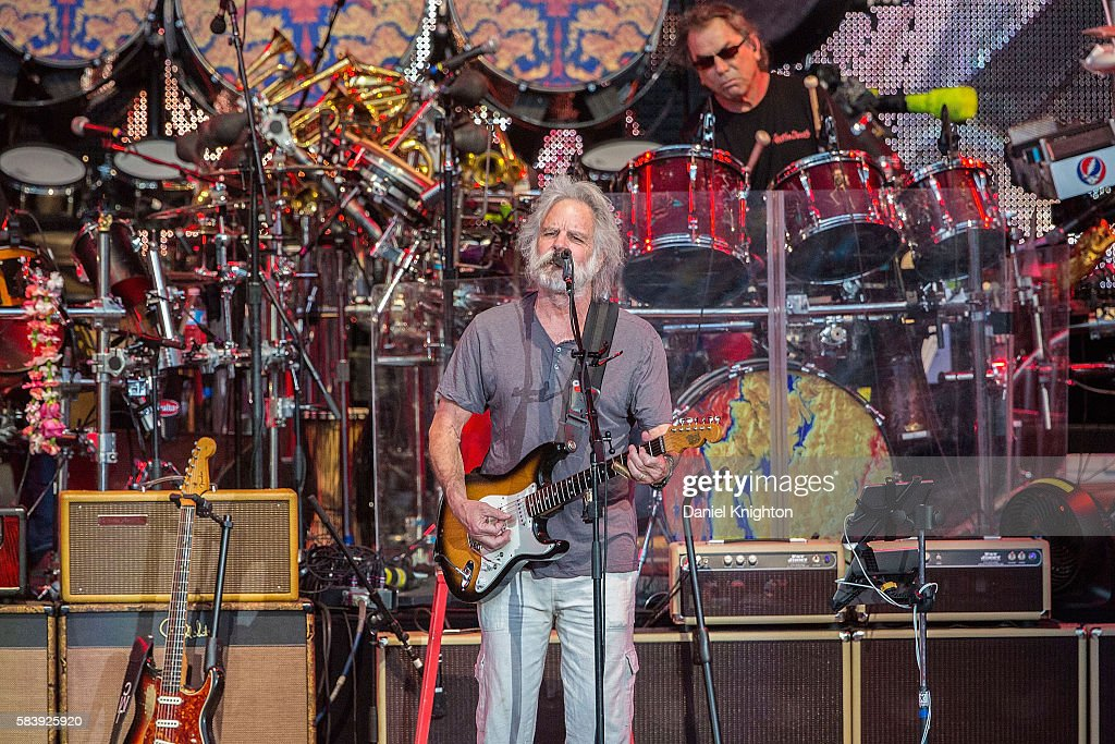 Musicians Bob Weir (L) and Mickey Hart of Dead & Company perform on stage at Sleep Train Amphitheatre on July 27, 2016 in Chula Vista, California.