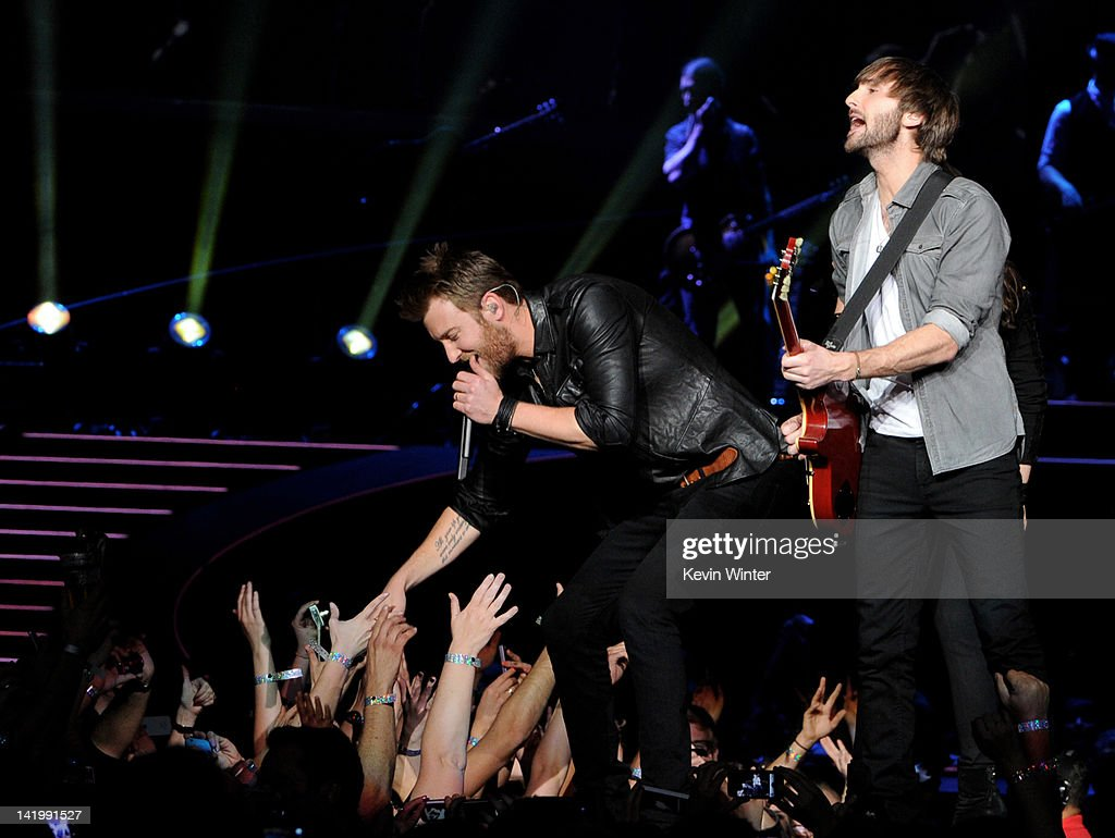 Musicians <a gi-track='captionPersonalityLinkClicked' href=/galleries/search?phrase=Charles+Kelley&family=editorial&specificpeople=3935435 ng-click='$event.stopPropagation()'>Charles Kelley</a> (L) and <a gi-track='captionPersonalityLinkClicked' href=/galleries/search?phrase=Dave+Haywood&family=editorial&specificpeople=4620526 ng-click='$event.stopPropagation()'>Dave Haywood</a> of Lady Antebellum perform at Staples Center on March 27, 2012 in Los Angeles, California.