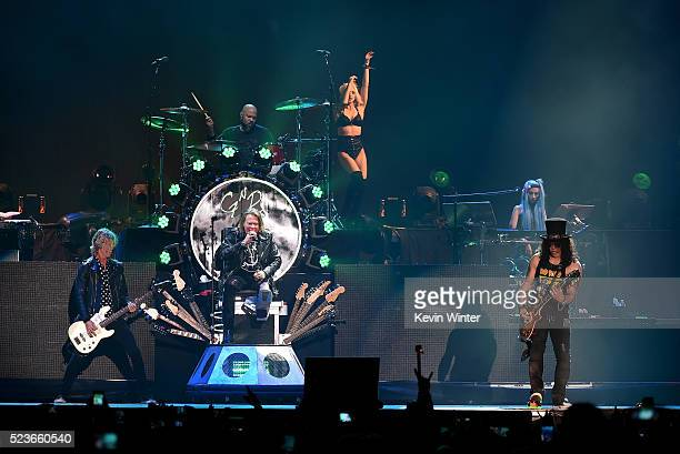 Musicians Duff McKagan Axl Rose Frank Ferrer Slash and Melissa Reese of Guns N' Roses perform onstage during day 2 of the 2016 Coachella Valley Music...